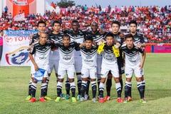 SISAKET THAILAND-MAG 28: Spelers van Chonburi FC stel voor een team royalty-vrije stock afbeeldingen