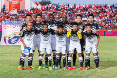 SISAKET THAILAND-MAY 28: Players of Chonburi FC. pose for a team Royalty Free Stock Images