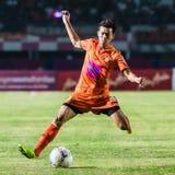 SISAKET THAILAND-OCTOBER 15: Santirat Viang-i av Sisaket FC Arkivbild