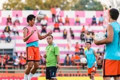 SISAKET THAILAND 29. OKTOBER: Komkrit Camsokchuerk von Sisaket FC Stockbilder