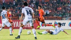SISAKET 15 THAILAND-OKTOBER: Santirat viang-binnen van Sisaket FC Royalty-vrije Stock Fotografie