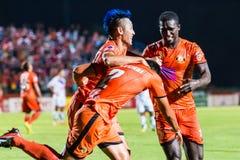 SISAKET 22 THAILAND-OKTOBER: Spelers van Sisaket FC stock fotografie