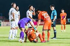 SISAKET THAILAND 29. OKTOBER: Victor Amaro von Sisaket FC (Nein 22) Lizenzfreie Stockbilder