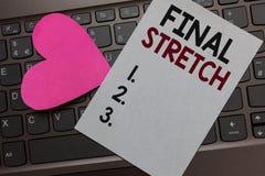 Sista elasticitet för handskrifttext Begrepp som betyder det sista benet som avslutar runt ultimat papper romantiskt älskvärt M f arkivfoton