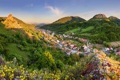 Sistani wioska Cerveny Kamena - wiosna krajobraz fotografia stock