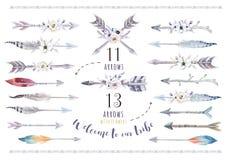 Sistema étnico del boho de la acuarela de flechas, de la pluma y de la flor tribu stock de ilustración