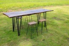 Sistema al aire libre de la mesa de comedor Imagen de archivo libre de regalías