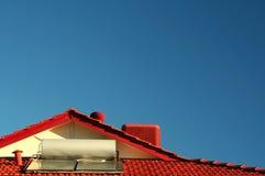 Sistema alimentato solare del riscaldamento dell'acqua Immagini Stock