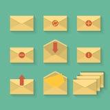 Sistema amarillo del icono del correo en estilo plano del diseño Imagen de archivo
