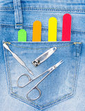 Sistema básico de herramientas de la manicura en bolsillo de los vaqueros imagen de archivo libre de regalías