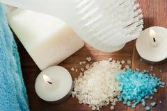 Sistema blanco azul del BALNEARIO del cuarto de baño Foto de archivo libre de regalías