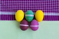 Sistema brillante de los huevos de Pascua Imágenes de archivo libres de regalías