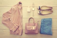 Sistema casual hermoso de la moda de la mujer Fotografía de archivo