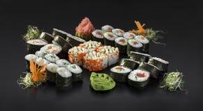 Sistema colorido del sushi de la mezcla Imagen de archivo libre de regalías