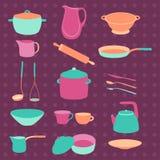 Sistema colorido del utensilio de la cocina Loza colorida Diseño plano Modelos para el Web Fotos de archivo