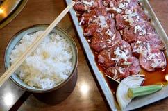 Sistema crudo japonés de la carne de vaca o sistema de la parrilla de la carne de vaca de Kobe Imágenes de archivo libres de regalías