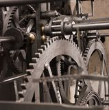 Sistema d'ingranaggi astronomico medioevale dell'orologio - interiore fotografia stock
