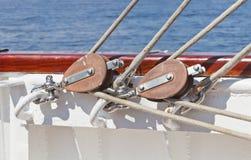 Sistema da asseguração em um veleiro foto de stock royalty free