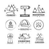 Sistema de acampar de los logotipos Fotos de archivo libres de regalías