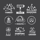 Sistema de acampar de los logotipos Imágenes de archivo libres de regalías