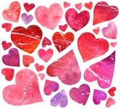 Sistema de acuarela rojo y de corazones rosados aislados en la parte posterior del blanco Imagen de archivo