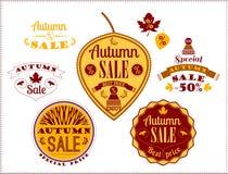 Sistema de Autumn Sale Labels y de muestras ilustración del vector