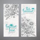 Sistema de banderas verticales con garabatos del verano Imagenes de archivo