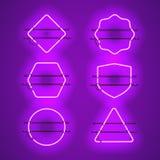 Sistema de bastidores de neón púrpuras que brillan intensamente realistas Imagen de archivo