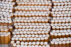Sistema de bolsillos del cigarrillo en la acción Fotografía de archivo libre de regalías
