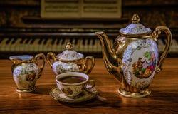 Sistema de café elegante en estilo retro en vintage del teclado del fondo Fotos de archivo libres de regalías