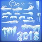 Sistema de casquetes glaciares Nieves acumulada por la ventisca, carámbanos, decoración del invierno de los elementos Equipo de l Fotografía de archivo