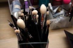 Sistema de cepillo del maquillaje de la cara fotos de archivo libres de regalías
