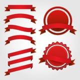 Sistema de cintas, de etiquetas y de insignias de papel rojas Imágenes de archivo libres de regalías