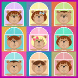 Sistema de compañeros de clase de los osos de peluche que miran fuera de la ventana Iconos planos Sistema colorido del avatar, mu Imagenes de archivo