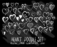 Sistema de corazón de la colección del dibujo del garabato del vector en backgroun negro Imagenes de archivo