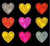 Sistema de corazones que brillan aislados en negro Ilustración del vector Imagenes de archivo