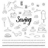 Sistema de costura con los elementos dibujados mano Imágenes de archivo libres de regalías