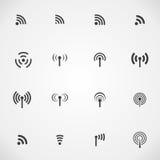 Sistema de dieciséis diversos iconos negros de la radio y del wifi del vector Imagen de archivo libre de regalías