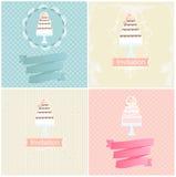Sistema de diseños de la invitación con las tortas Fotografía de archivo