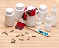 Sistema de diversas medicinas anticatarrales Fotos de archivo