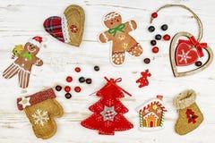 Sistema de diversos ornamentos multicolores de la Navidad Fotografía de archivo
