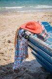 Sistema de diversos ropa y accesorios para las mujeres en la playa Fotos de archivo
