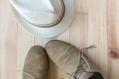 Sistema de diversos ropa y accesorios para los hombres Fotos de archivo