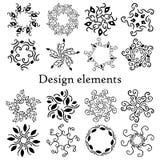 Sistema de elementos del diseño, modelos, finials Sistema de 16 elementos caligráficos Imagenes de archivo