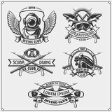 Sistema de emblemas del buceo con escafandra Natación subacuática y etiquetas, logotipos y elementos spearfishing del diseño Foto de archivo libre de regalías
