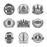 Sistema de etiqueta aislado vintage del pub de la cerveza Fotos de archivo libres de regalías