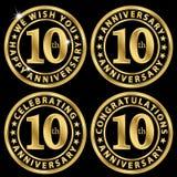 sistema de etiqueta de oro del 10mo aniversario, celebrando 10 años de annivers Imagenes de archivo