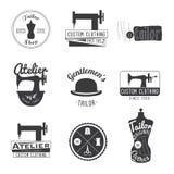 Sistema de etiquetas del sastre del vintage, de emblemas y de elementos del diseño retro Imagen de archivo libre de regalías