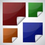 Sistema de etiquetas engomadas cuadradas coloridas ilustración del vector