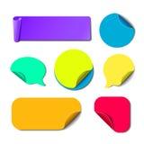 Sistema de etiquetas engomadas de papel coloridas aisladas Fotografía de archivo libre de regalías